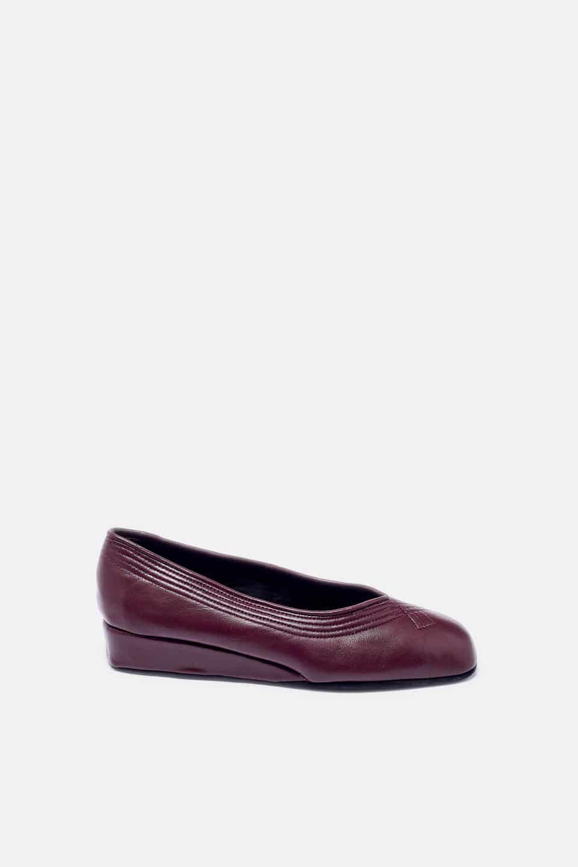 Salon Cuña Pespuntes Burdeos Kosma Menorca en Loyna Shoes