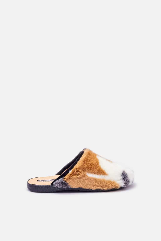 Conejo Negro Slippers en Loyna Shoes