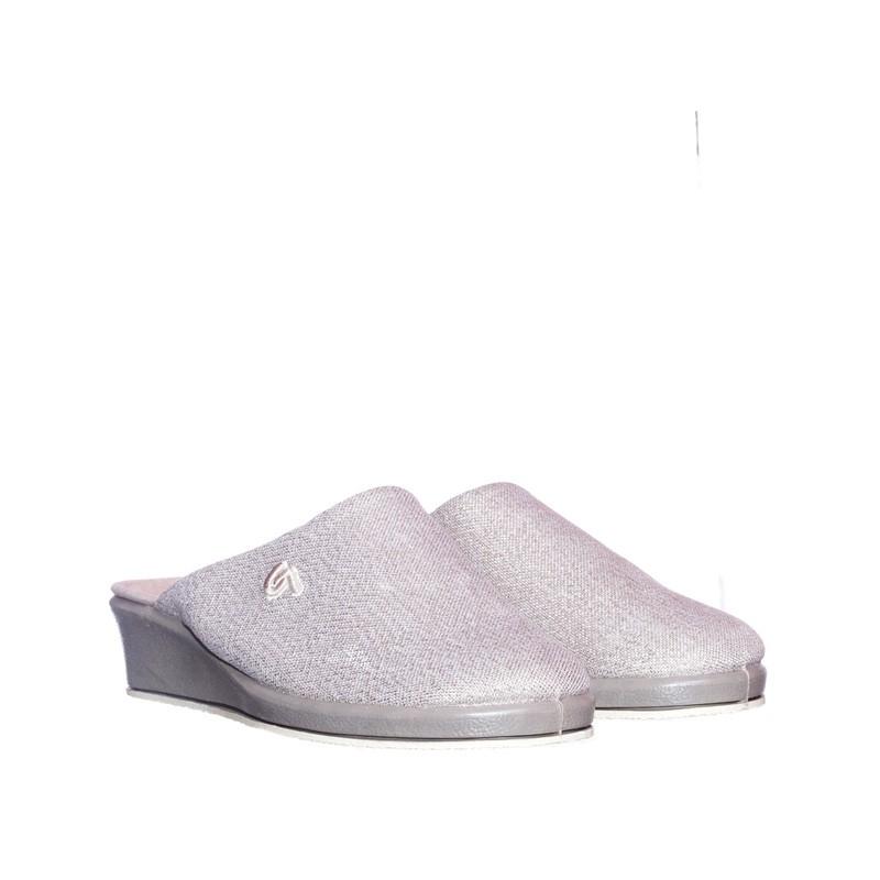 Oropel Beig Garzón en Loyna Shoes