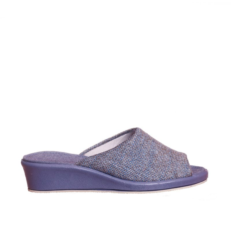 Caney Indigo Garzón en Loyna Shoes