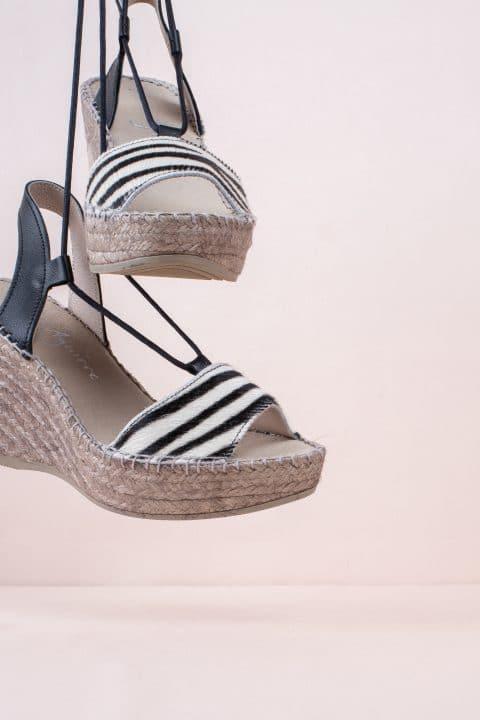 Pony Cebra Sin categoría en Loyna Shoes