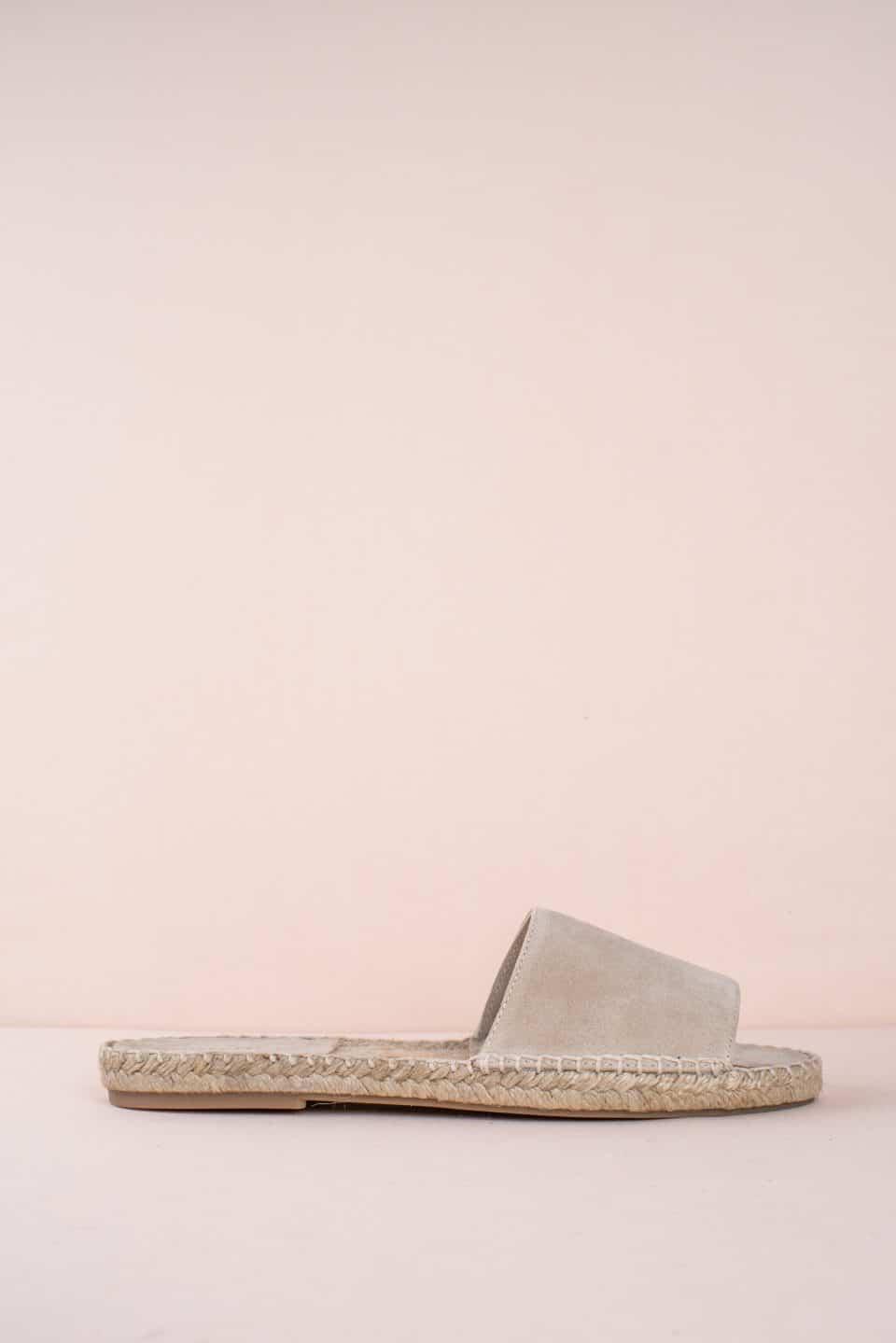 OLIVIA BEIGE Alpargatas en Loyna Shoes