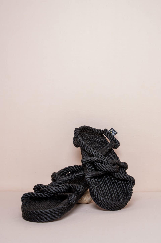 Mountain Momma Black Alpargatas en Loyna Shoes