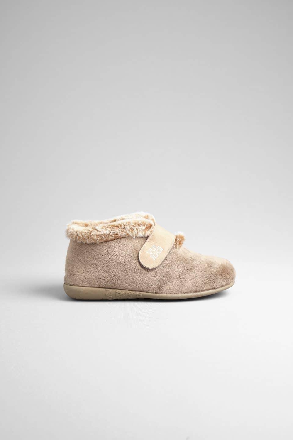 BOTIN ALASKA TAUPE Marcas en Loyna Shoes