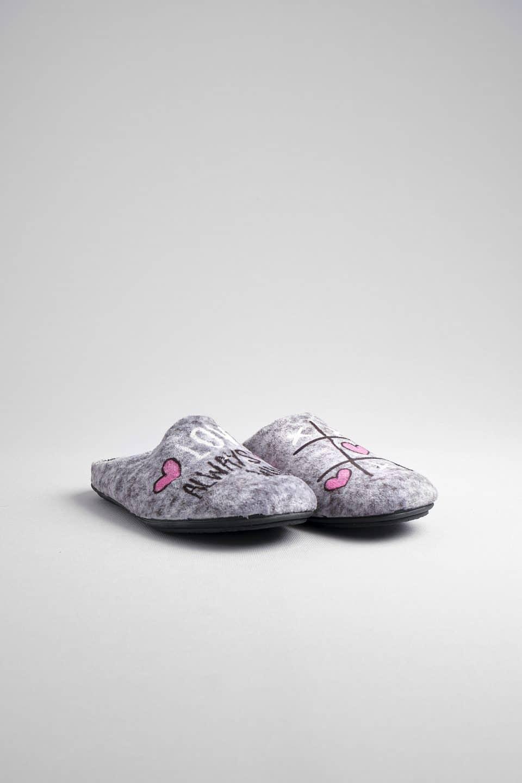 LOVE GRIS Marcas en Loyna Shoes