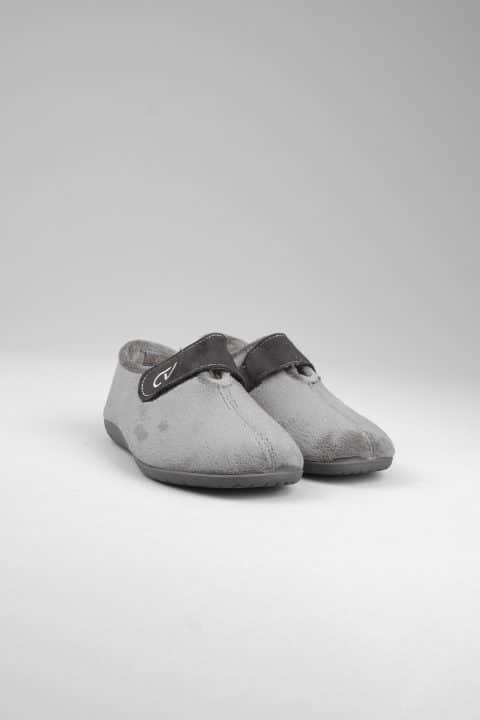 SUAPEL GRIS Slippers en Loyna Shoes
