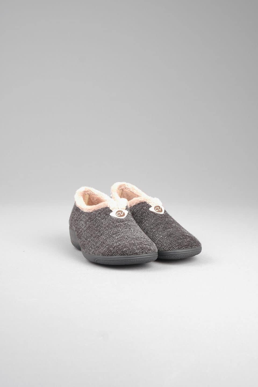 SAURI GRIS CERRADA Slippers en Loyna Shoes
