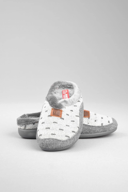 ZUECO TOPOS GRIS Marcas en Loyna Shoes
