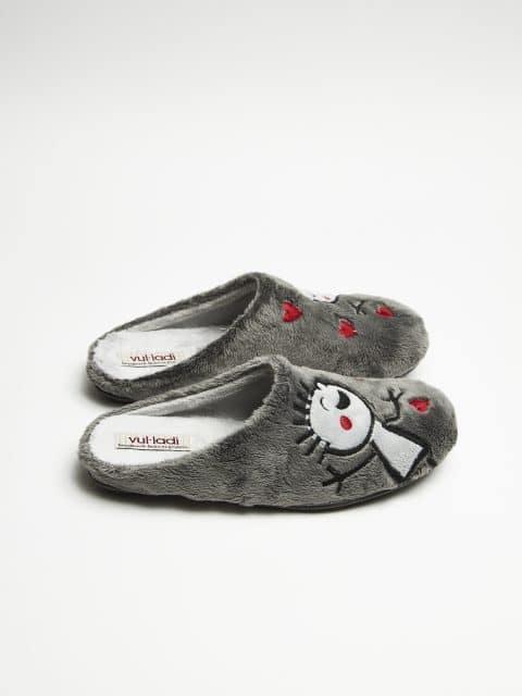 ZUECO NIÑOS MONTBLANC GRIS Slippers en Loyna Shoes