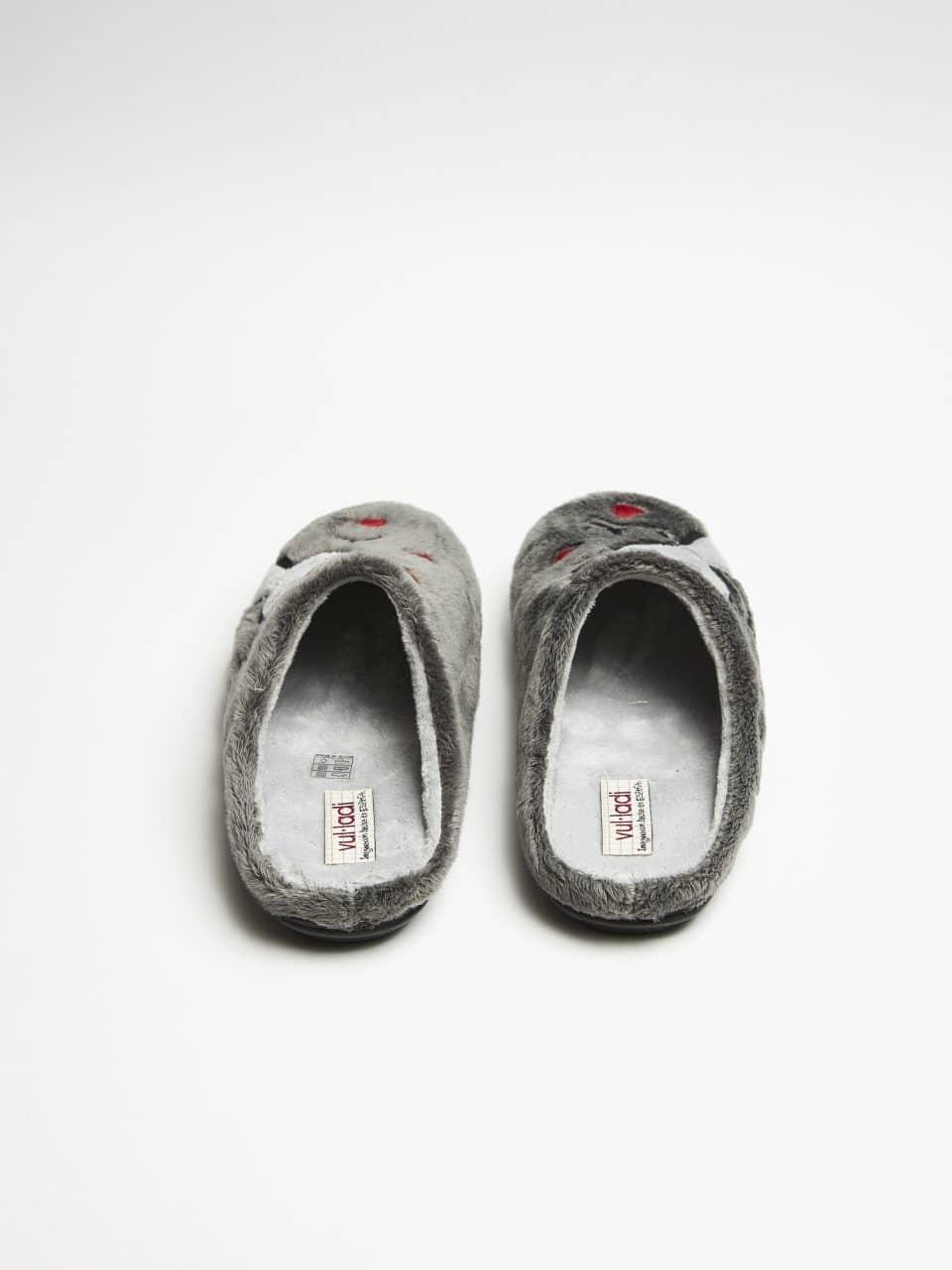 ZUECO NIÑOS MONTBLANC GRIS Marcas en Loyna Shoes
