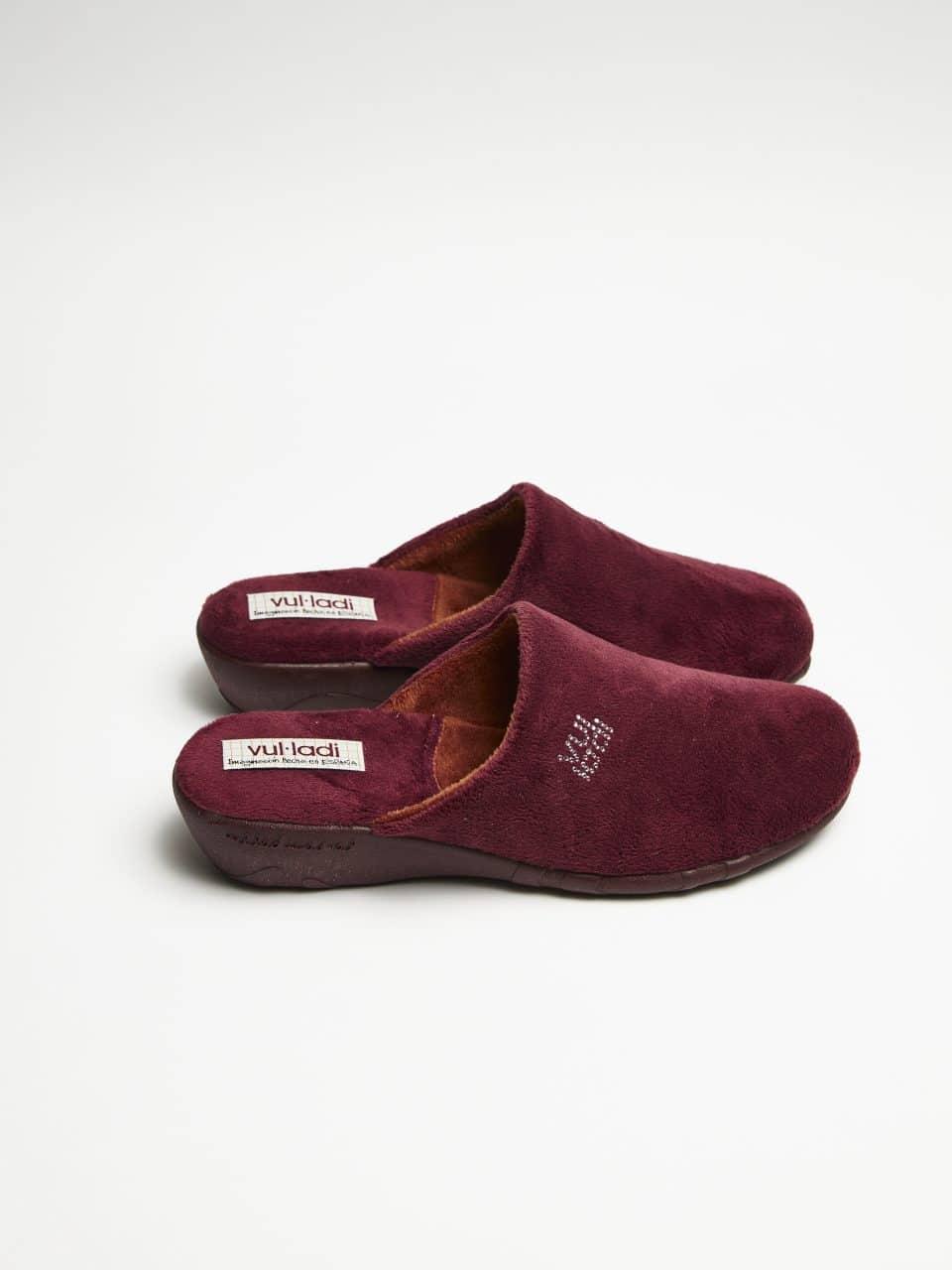 ZUECO CUÑA ALASKA BURDEOS Marcas en Loyna Shoes