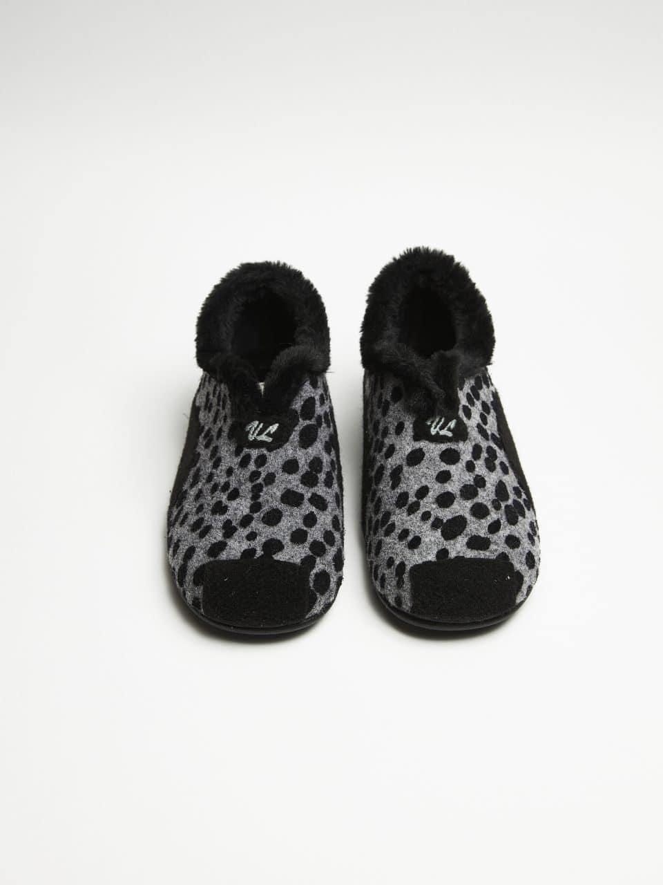 PINTAS NEGRO Marcas en Loyna Shoes