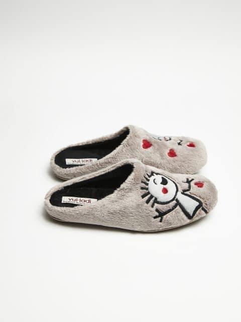 ZUECO NIÑOS MONTBLANC PARDO Marcas en Loyna Shoes