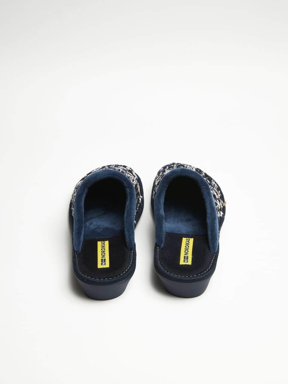 ZUECO TRICOT MARINO Marcas en Loyna Shoes