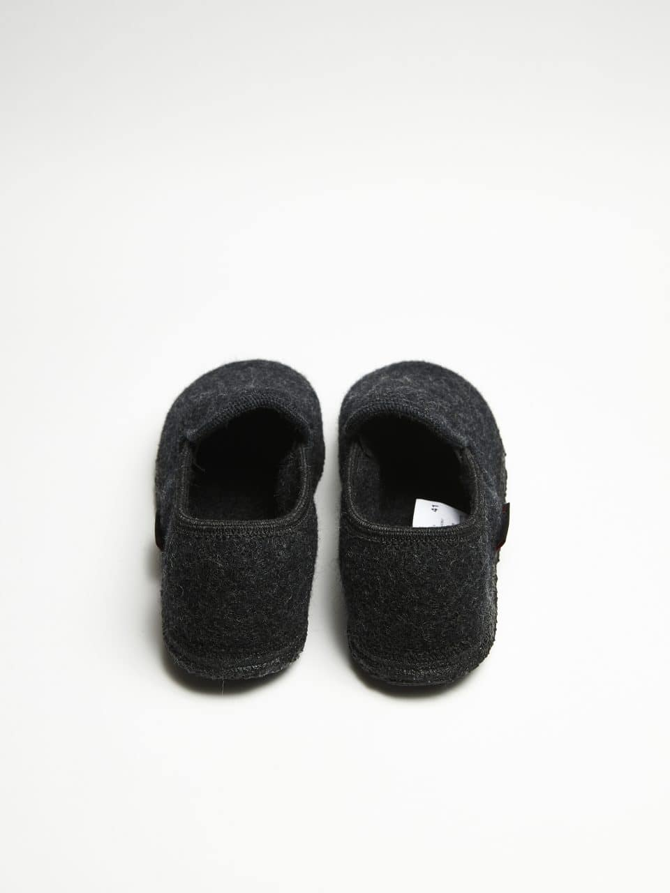 NIEDERTHAL ANTRACITA Giesswein en Loyna Shoes