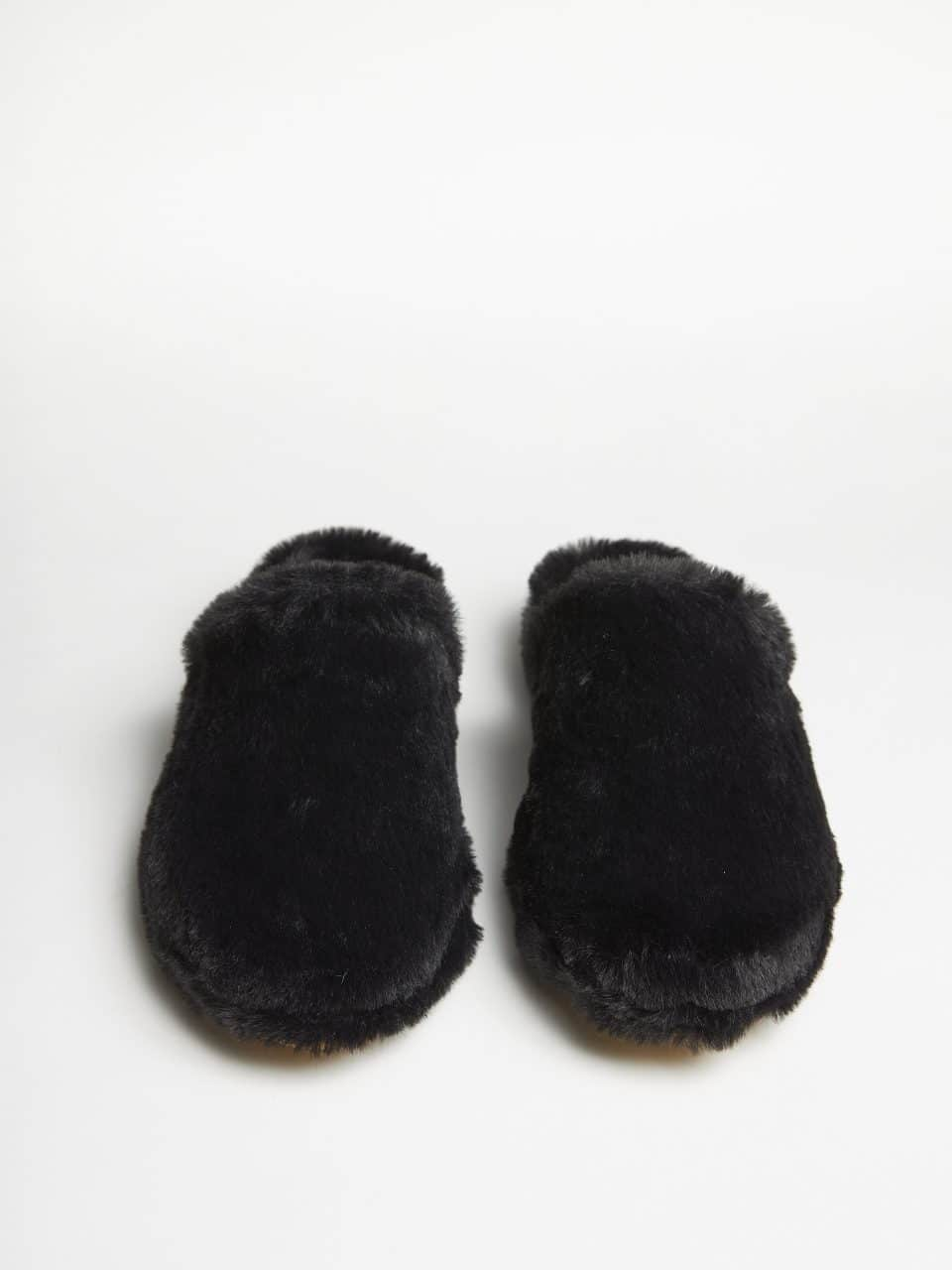 Mally Pelo Negro. Slippers en Loyna Shoes
