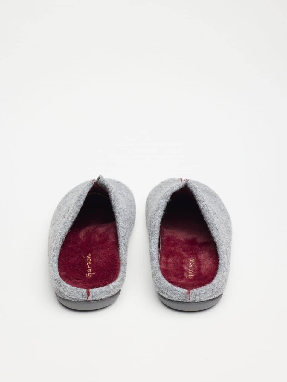 ZUECO PICOS GRIS BURDEOS Garzón en Loyna Shoes