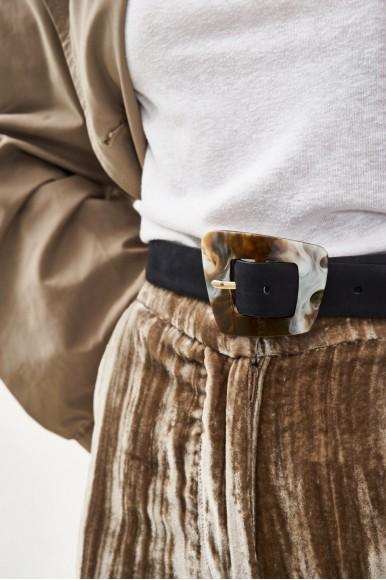 Cinturón Negro Cuerno Accesorios en Loyna Shoes