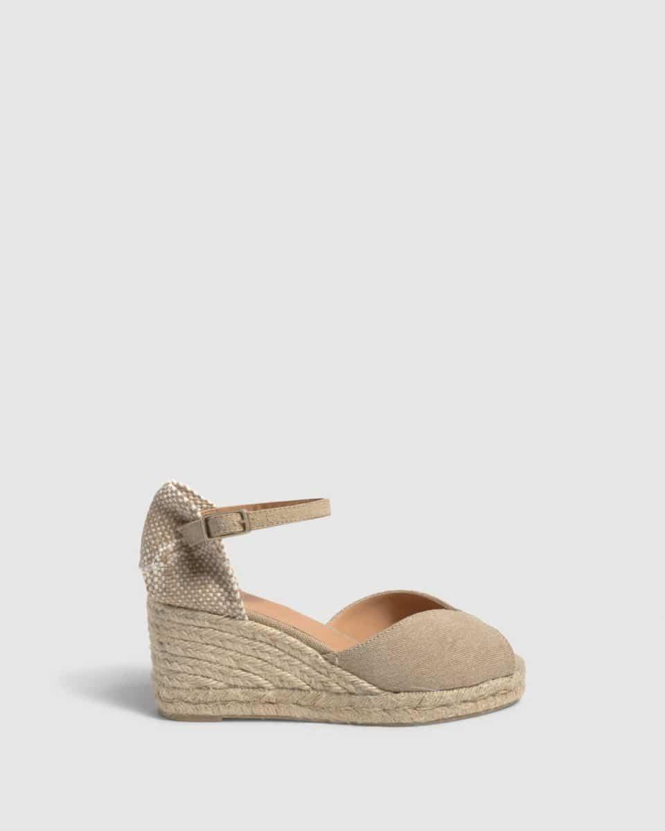 Alpargata Castañer Bianca Sand con cuña en lona 7cm Alpargatas en Loyna Shoes