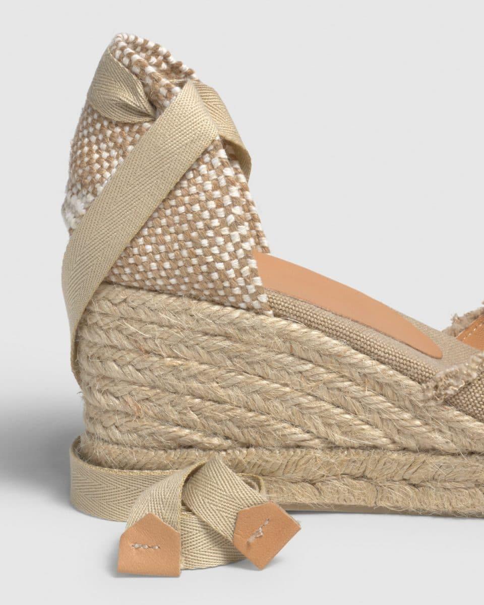 Alpargata Castañer Bluma Sand con cuña elaborada en lona 7cm Alpargatas en Loyna Shoes
