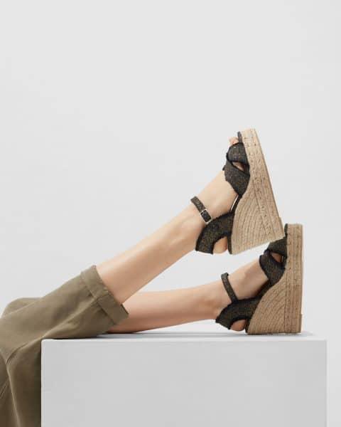 Alpargata Castañer Bromelia Negro con cuña elaborada en lino 11cm Alpargatas en Loyna Shoes