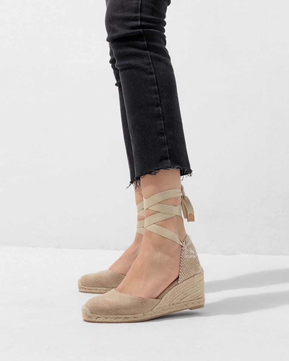 Alpargata de cuña Castañer Carina Sand lona 7 cm Alpargatas en Loyna Shoes