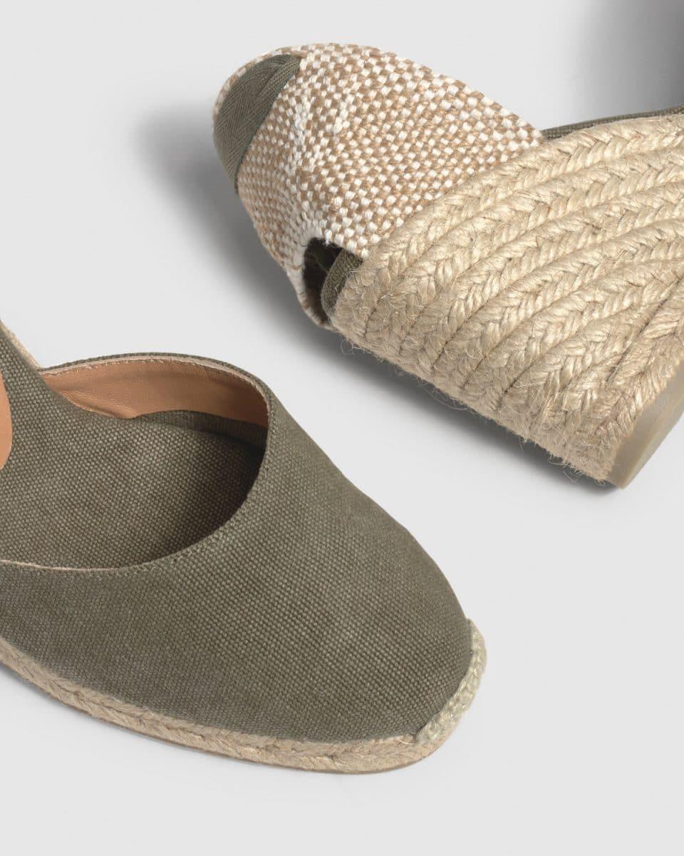Alpargata de cuña Castañer Carina Verde Oliva lona 7 cm Alpargatas en Loyna Shoes