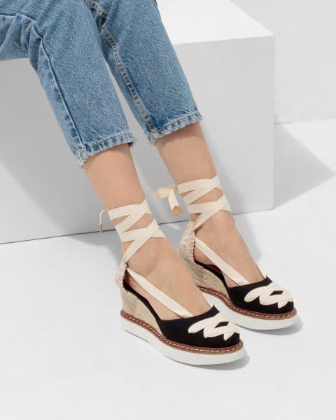 Cayetana. Alpargata con cuña elaborada en lona 8cm Castañer Alpargatas en Loyna Shoes