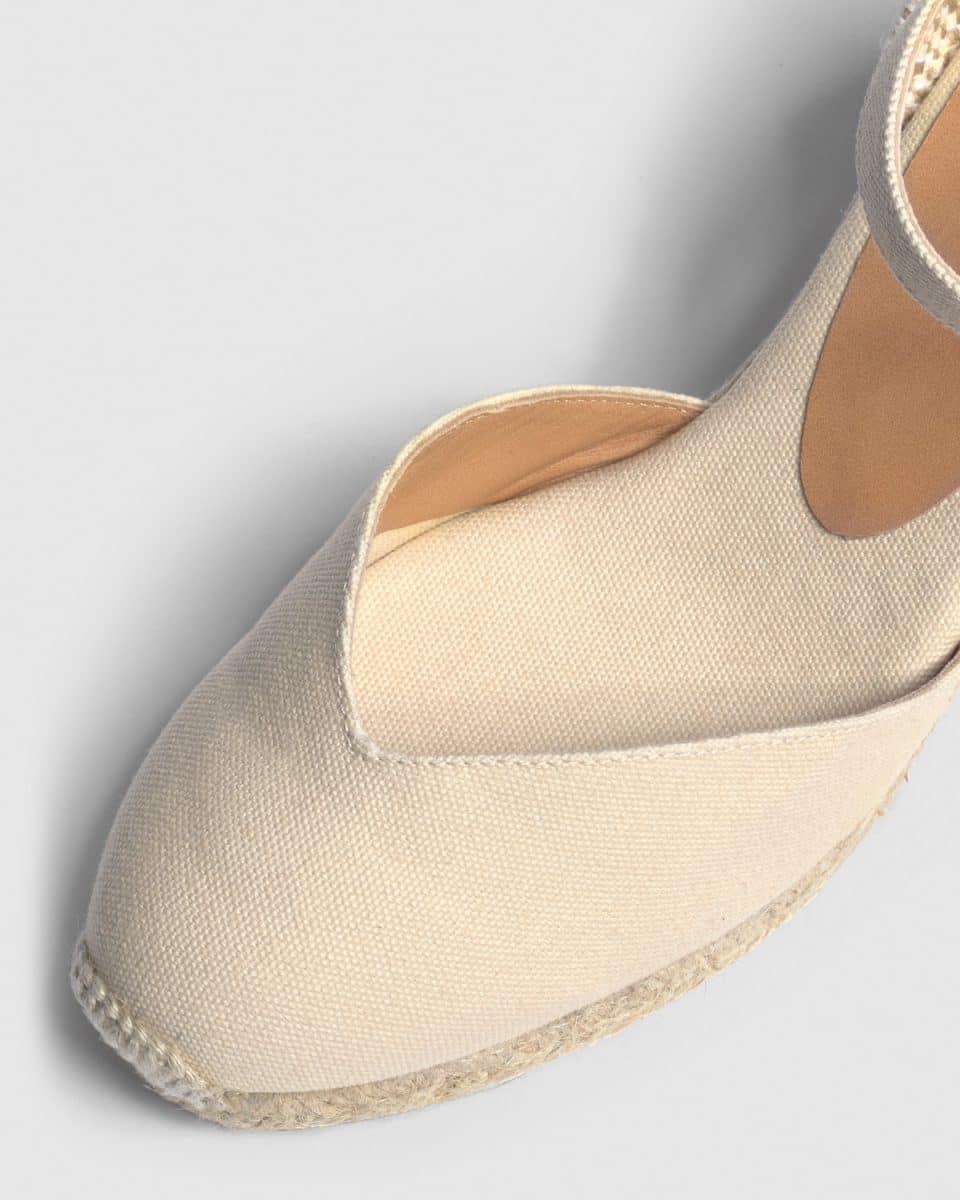 Alpargata de cuña Castañer Chiarita Ivory lona 7 cm Alpargatas en Loyna Shoes