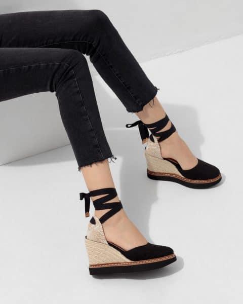 Cintia. Alpargata con cuña elaborada en lona 10cm Castañer Alpargatas en Loyna Shoes