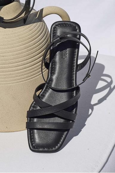 Adriana negro Marcas en Loyna Shoes