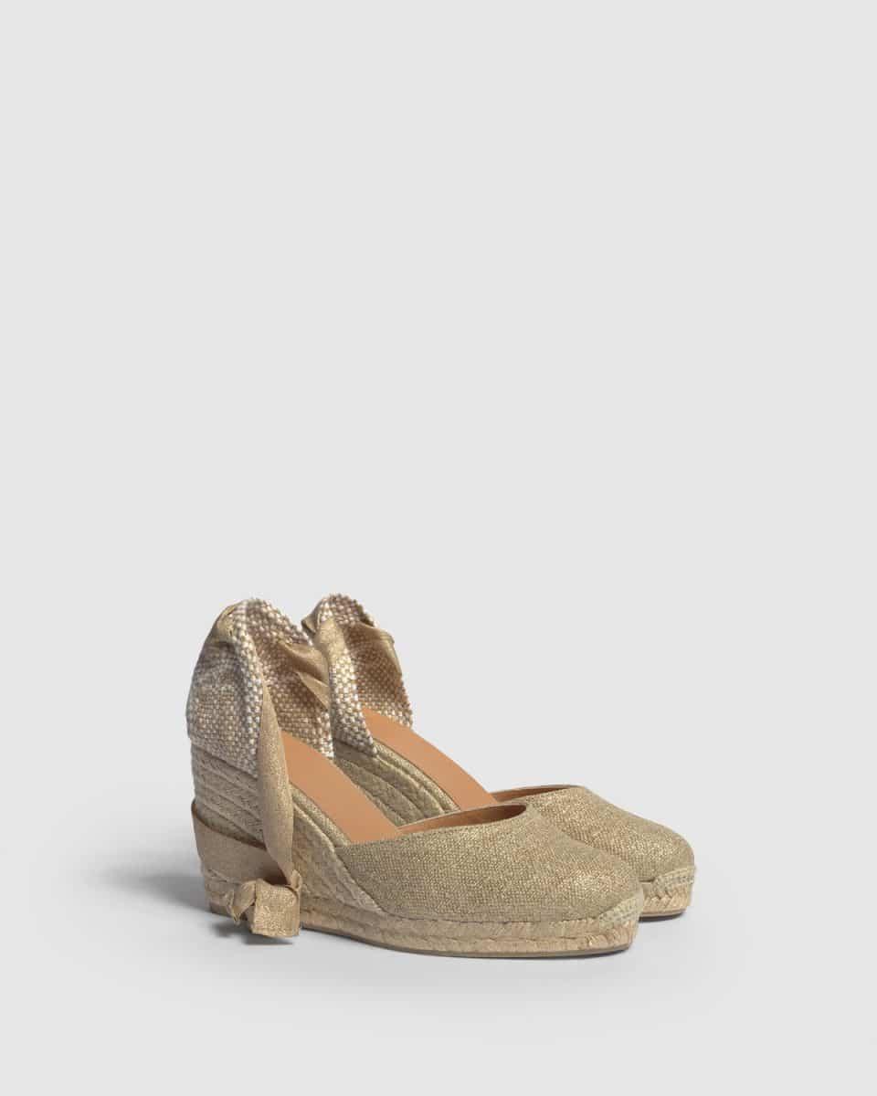 Alpargata Castañer Carina Oro Claro con cuña lino metalizado 9cm Alpargatas en Loyna Shoes