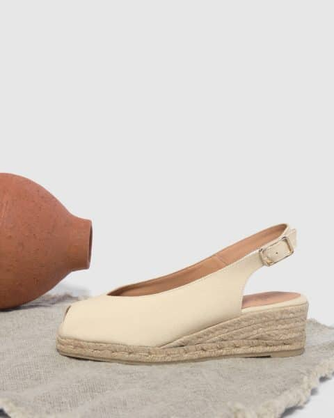 Alpargata de cuña open toe Castañer Dosalia Ivory lona 5 cm Alpargatas en Loyna Shoes