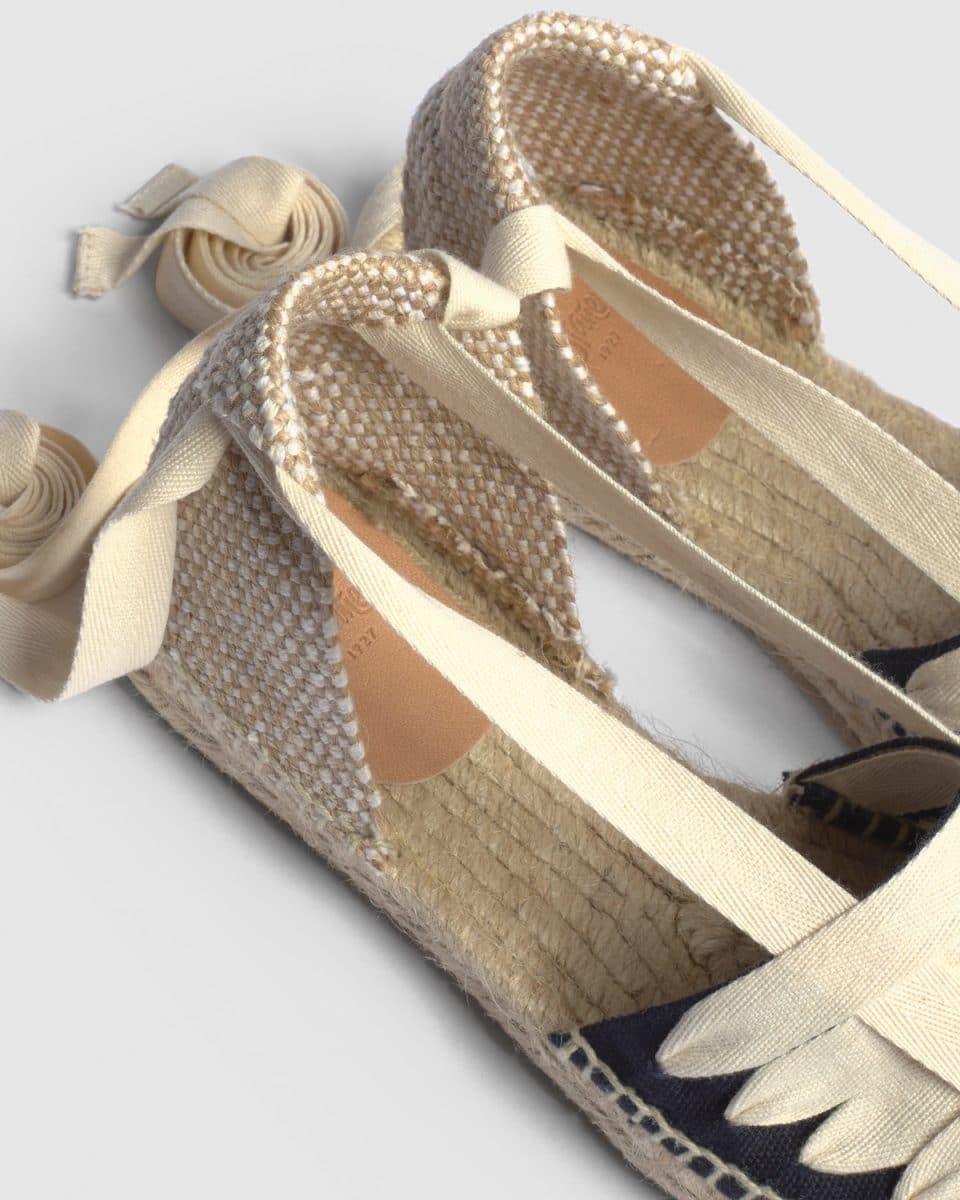 Alpargata plana Castañer Jean Negro elaborada en lona Alpargatas en Loyna Shoes