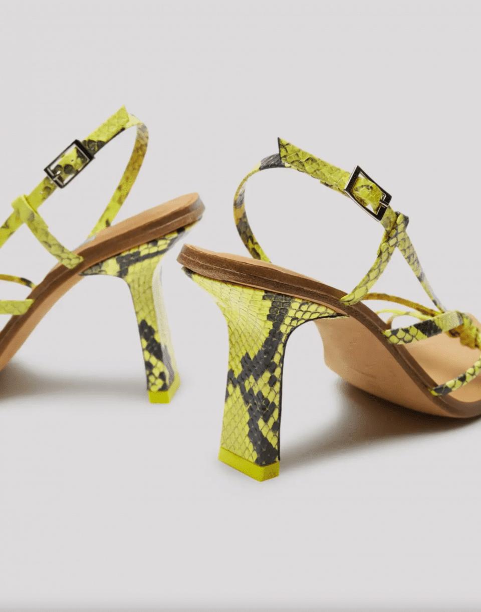 SARAH LEMON SNAKE SANDALS Marcas en Loyna Shoes