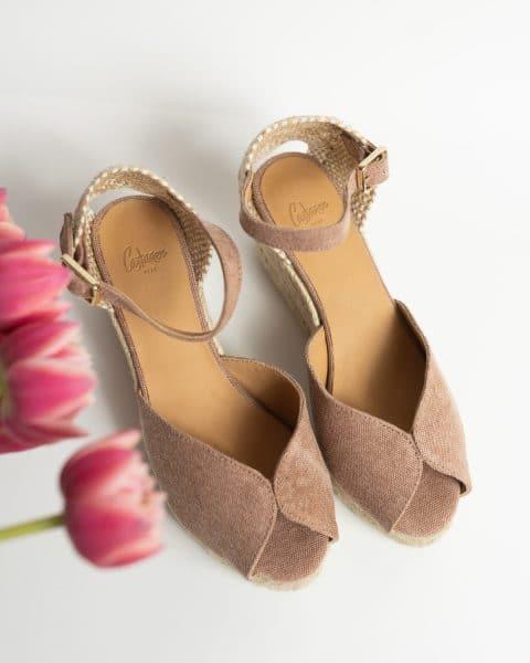 Bianca. Alpargata con cuña elaborada en lona 7cm Castañer Alpargatas en Loyna Shoes