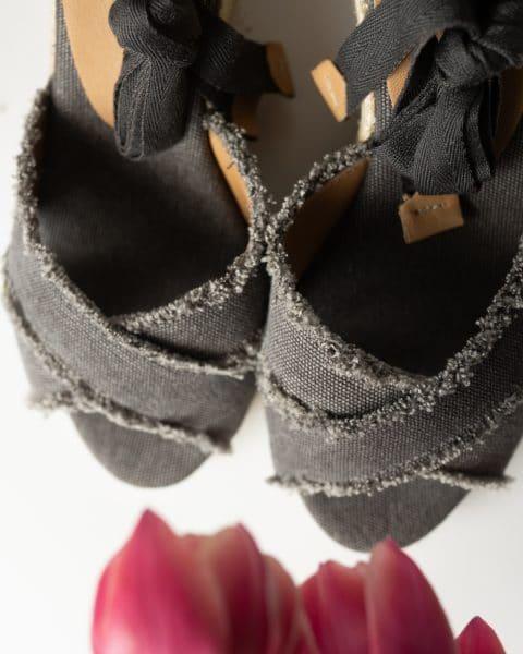Bluma. Alpargata con cuña elaborada en lona 7cm Castañer Alpargatas en Loyna Shoes
