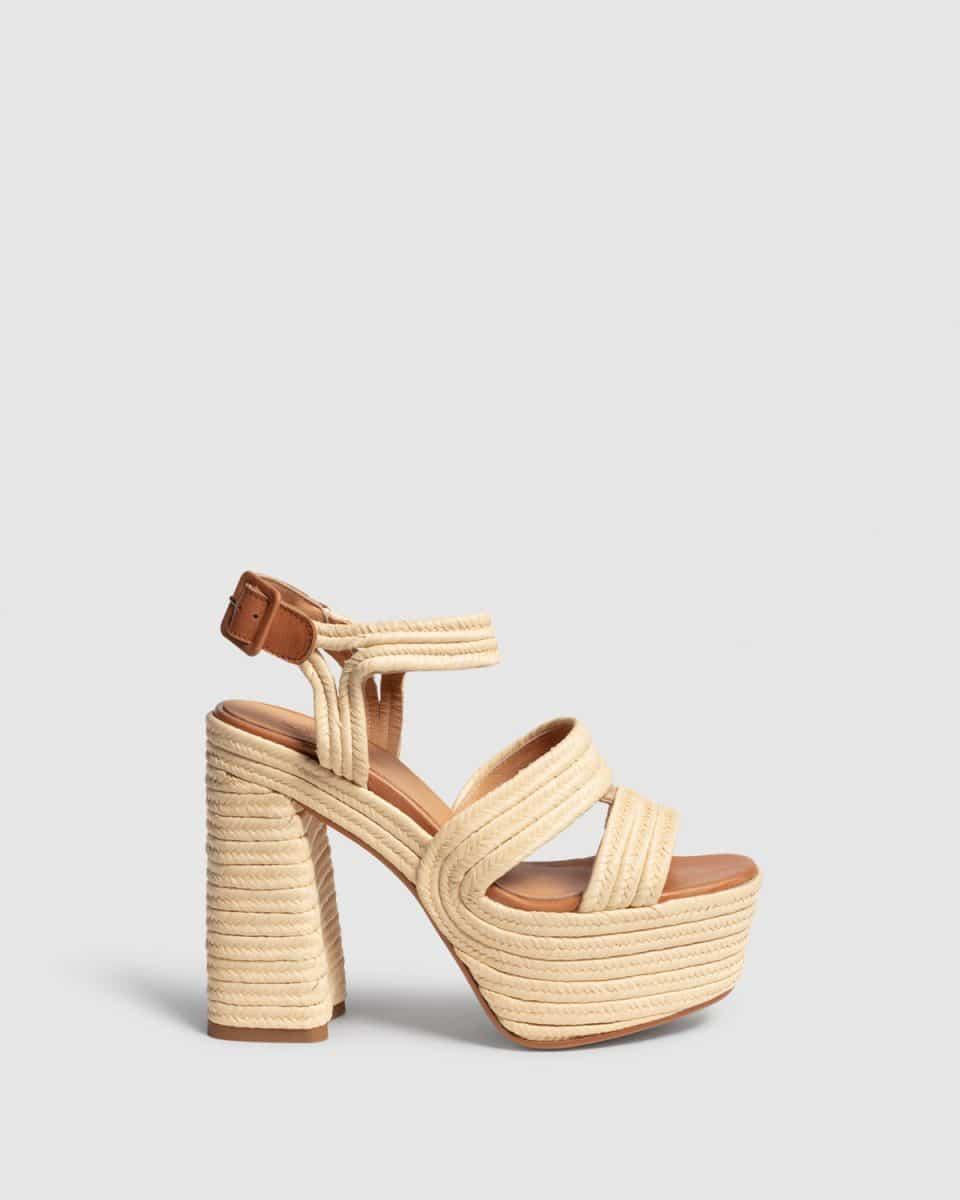Adah. Sandalia con tacón elaborada en rafia 13cm Castañer en Loyna Shoes