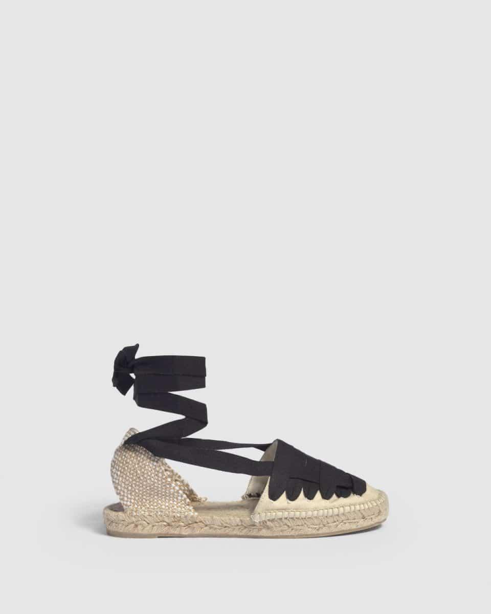 Alpargata plana Castañer Jean Ivory elaborada en lona Alpargatas en Loyna Shoes