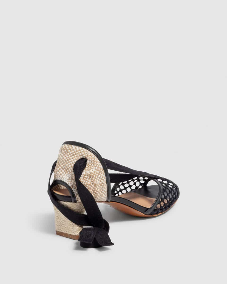 Lea. Sandalia con tacón elaborada en algodón y piel 5cm Castañer Sandalias en Loyna Shoes