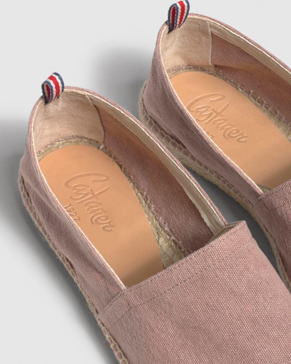 Pablo. Alpargata plana elaborada en lona Castañer Alpargatas en Loyna Shoes