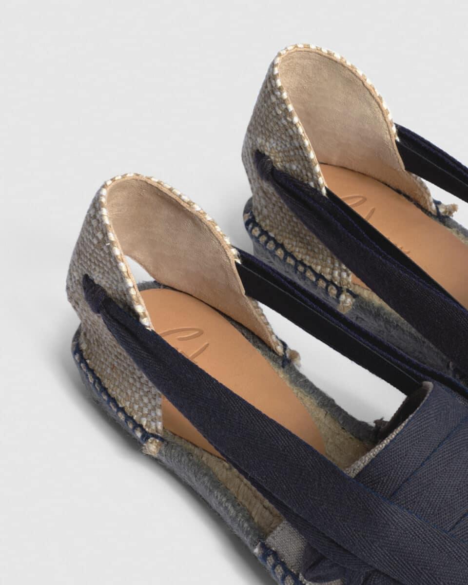 Norman. Alpargata plana elaborada en lona Castañer Alpargatas en Loyna Shoes