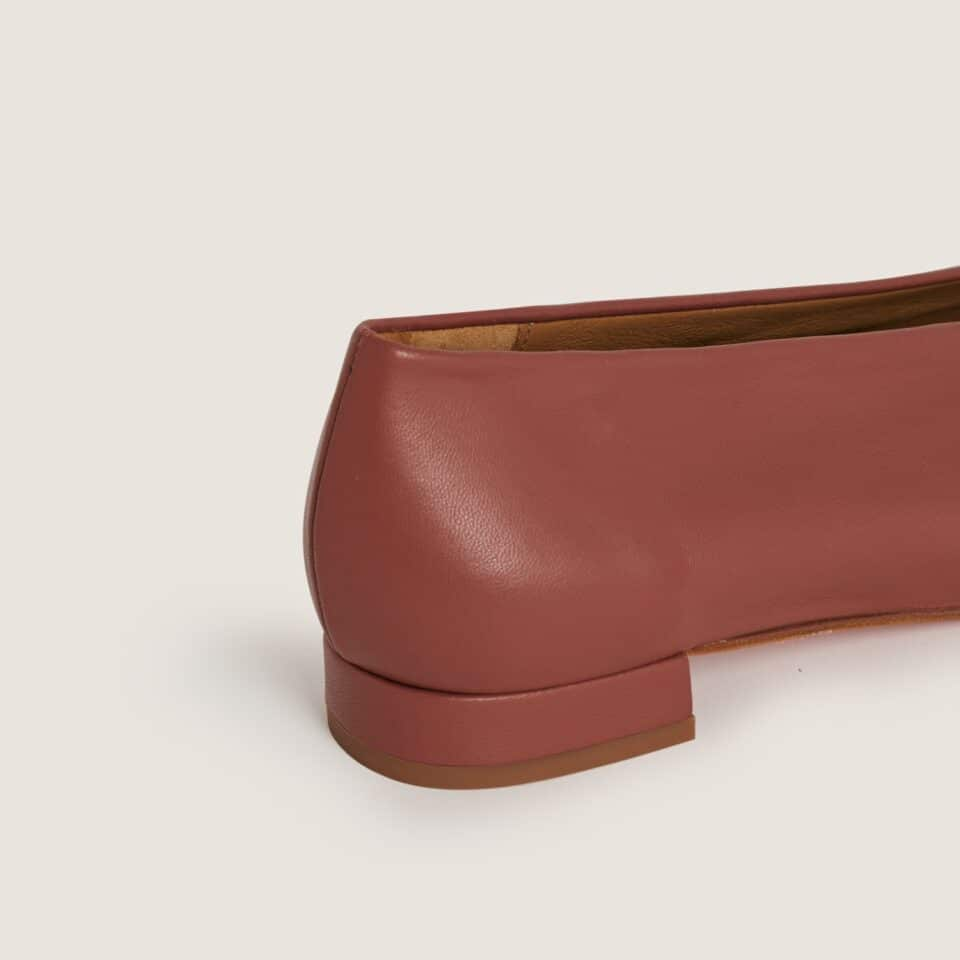 Ramona Arcilla Bailarinas en Loyna Shoes
