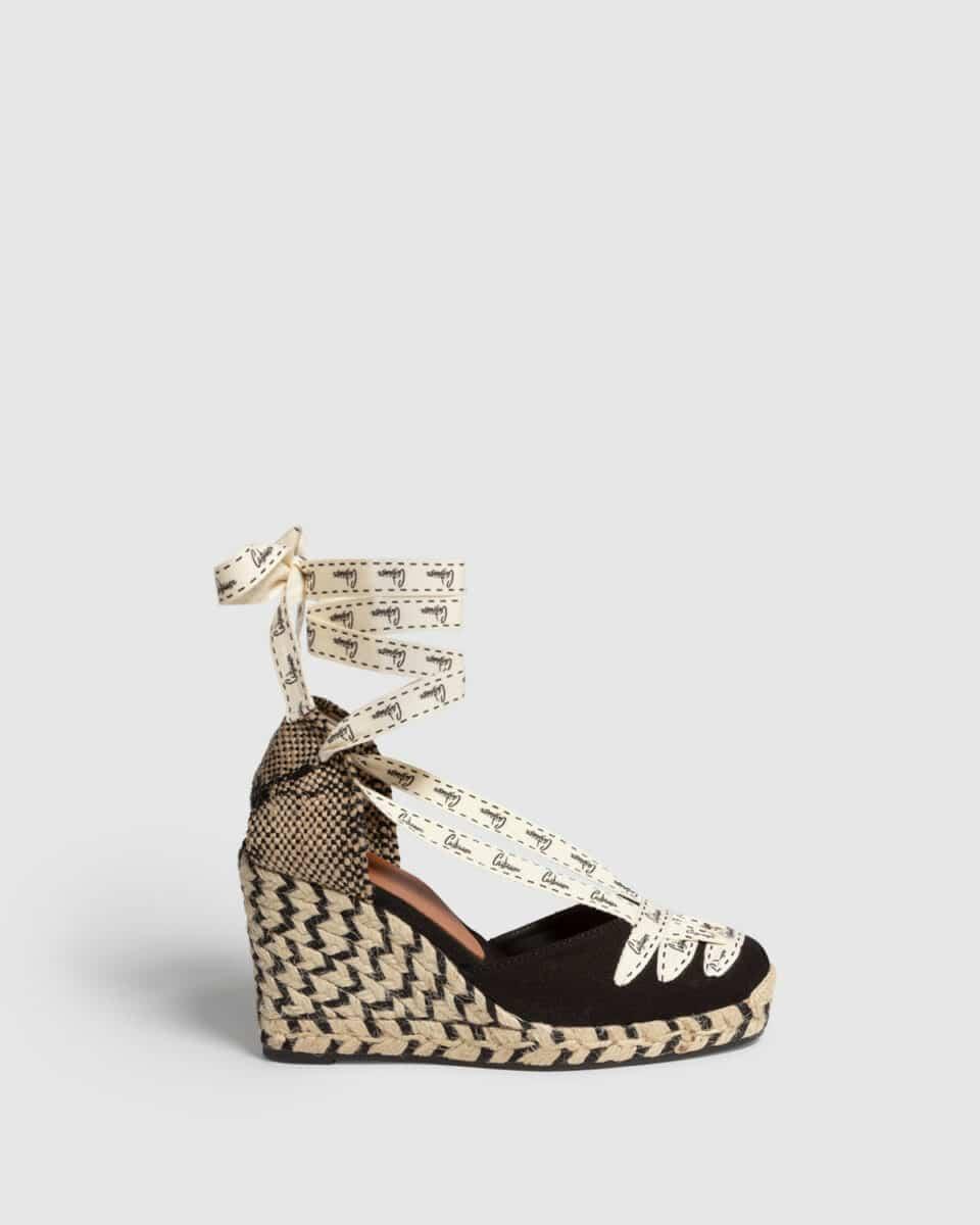 Cora. Alpargata con cuña elaborada en lona 9cm Alpargatas en Loyna Shoes