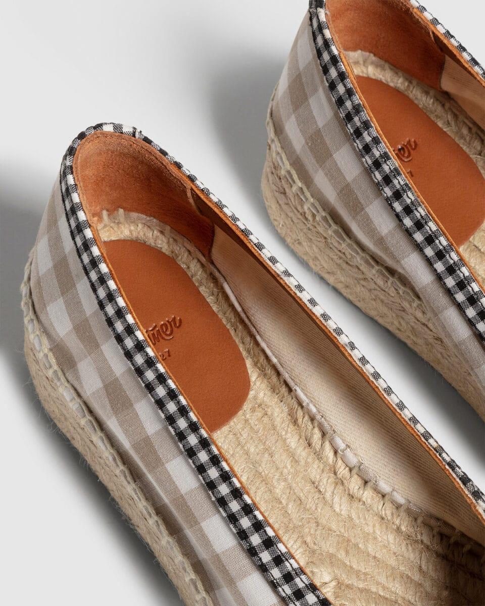 Gustava. Bailarina con cuña en algodón 4cm Castañer Alpargatas en Loyna Shoes