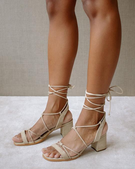 Sophie Sand Alohas en Loyna Shoes