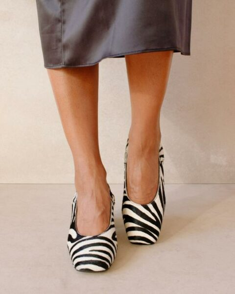 Agent Safari Black White Print Alohas Winter 2021 Preorder en Loyna Shoes