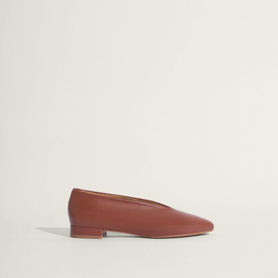 Ramona Camel Bailarinas en Loyna Shoes