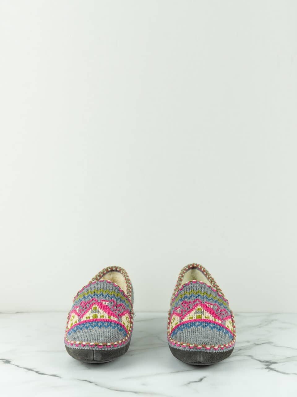 CABAÑA GRIS Marcas en Loyna Shoes