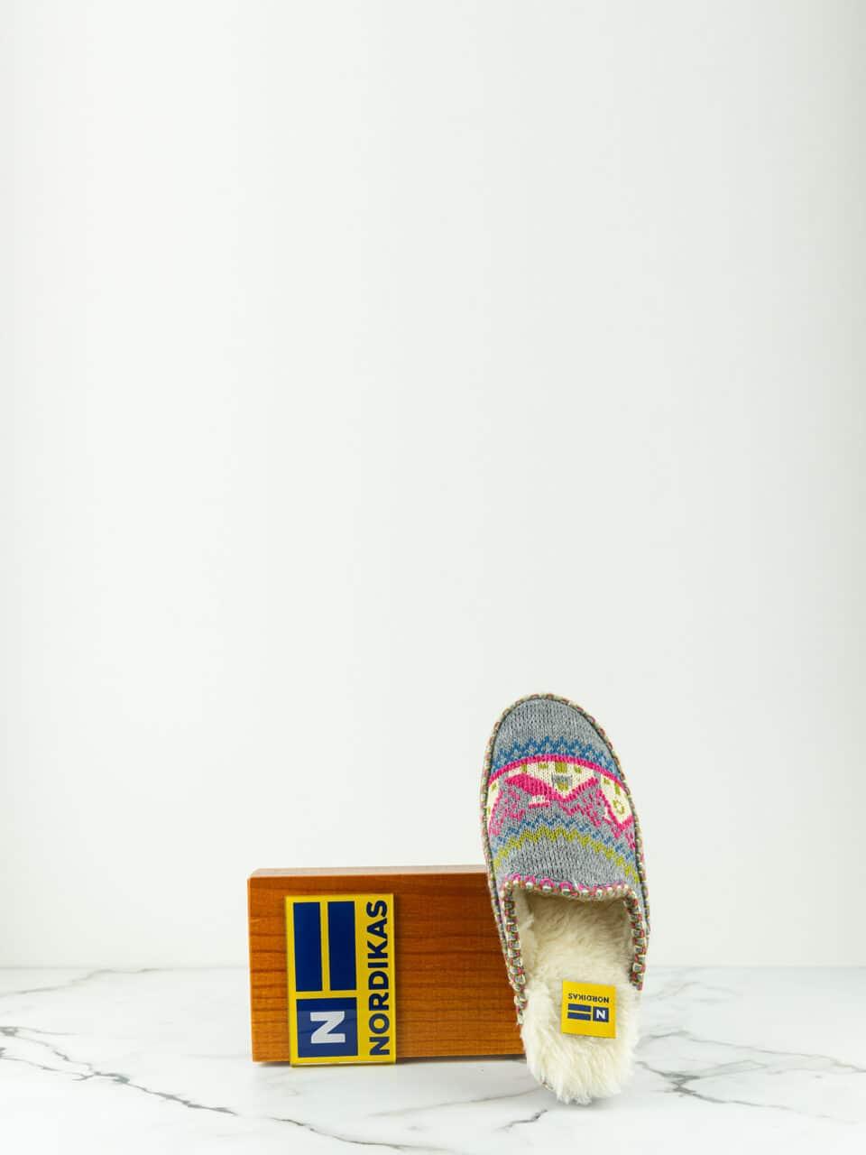ZUECO CABAÑA GRIS Marcas en Loyna Shoes